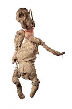 Nedjar, Michel sans titre, v. 1981 sculpture de chiffons et ficelles enduits de terre séchée haut. 90 cm