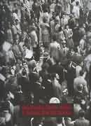 A aventura nesta grande metrópole - é este o tema deste livro que traz cerca de 230 fotos de São Paulo, cobrindo um século de progresso e grandes transformações. Década a década, de 1860 a 1960, o livro documenta as mudanças de hábitos, costumes, vestuário. Mostra, por exemplo, desde a população simples com suas carroças na rua, quando São Paulo mais se parecia uma pequena vila rural, até a cidade efervescente dos revolucionários de 1924 a 1932, das massas humanas nas avenidas durante as…