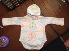 In the winter, this long sleeved Hoodsie will keep your baby warm and in summer, make it short sleeved and the hood will shade their precious noggin from the sun. This pattern will be great for anyone with an advanced-beginner experience level or higher. It is designed to fit more loosely than your average bodysuit. There are nine sizes included from preemie to 36mos. For FREE patterns and help with our patterns, join our facebook group:https://www.facebook.com/groups/suatchat