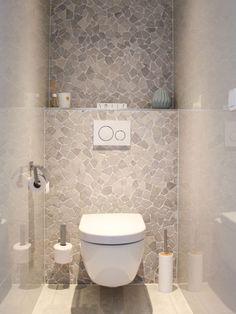 Binnenkijken bij Nanda - My Simply Special Toilet Room Decor, Small Toilet Room, Guest Toilet, Downstairs Toilet, Wc Design, Toilet Design, House Design, Bathroom Design Luxury, Bathroom Design Small