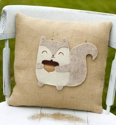 Squirrel Craft -<3-  Felt applique throw pillow - LOVE!