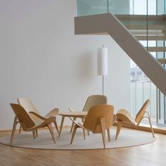 Shop SUITE NY for the chair designed by Hans J. Wegner for Carl Hansen and Son and more danish design, mid-century modern furniture, hans wegner furniture Modern Furniture, Home Furniture, Furniture Design, Danish Design Store, Piece A Vivre, Lounge Seating, Mid Century Modern Design, Interior Inspiration, Decoration