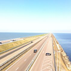 'Closing off dike' in the north of the Netherlands. (with nice straight horizon)