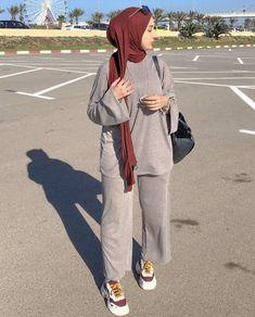 Modern Hijab Fashion, Street Hijab Fashion, Hijab Fashion Inspiration, Islamic Fashion, Muslim Fashion, Fashion Outfits, Modesty Fashion, Style Inspiration, Stylish Hijab