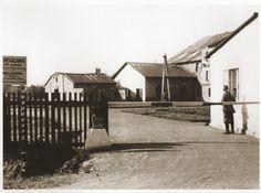 entrance to monowitz