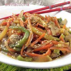 Receta de verduras salteadas al estilo chino - - Asian Recipes, Beef Recipes, Vegetarian Recipes, Cooking Recipes, Healthy Recipes, Ethnic Recipes, Wok, I Love Food, Good Food