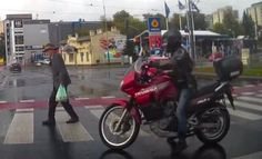 In Poland a motorcyclist was film blocking the road when it turns go signal. Just to let this old man cross over! Old Men, A Good Man, Poland, Bike, Guys, Crosses, Motorcycles, Internet, Videos
