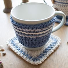 Crochet Mug Hug and Rug: free pattern (go to website, click on photo)