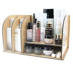 Do you have a lot of makeup? Get yourself a proper acrylic makeup organizer and sorting will never be a problem. Diy Makeup Organizer, Makeup Storage Organization, Bathroom Organization, Storage Ideas, Storage Boxes, Storage Organizers, Mary Kay, Desktop, Make Up Storage