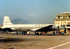 Série - Aviões que pertenceram a PANAIR DO BRASIL - VASP. Ex Panair do Brasil, registro PP-LFB (cn 45528/1027). Santos Dumont (SDU/SBRJ), Julho de 1973. Photo by Jose C Silviera Junior...