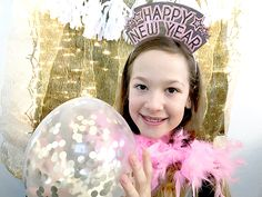 DIY New Year Headbands - Free Printable Mercury Glass Centerpiece, Centerpieces, New Year Headband, New Year's Eve Crafts, New Years Hat, How To Make Glitter, Champagne Flutes, New Years Eve Party, Treat Bags