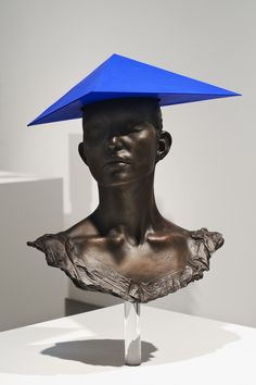 blue - head with hat - Charles Avery, Hat Signigicante, 2010 - sculpture - Bronze, cardboard, gouache, acrylic