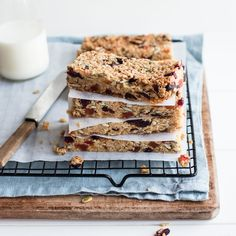 Easy muesli bars that the kids can even make themselves! Perfect for popping into school lunches for a healthy yummy treat with no nuts or refined sugar. Healthy Bars, Healthy Treats, Healthy Baking, Yummy Treats, Sweet Treats, Vegan Baking, Baking Tins, Baking Recipes, Whole Food Recipes