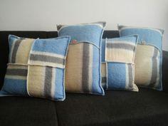 Kussens gemaakt van een oude wollen deken. (vintage blanket)