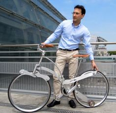 Sada Bike is foldable, can fold in a trolley with your objects and his whells are spokeless!