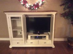 Broyhill fontana table painted turquoise for a beachy look i purchased a broyhill fontana entertainment center off craigslist the original stain color does not match anything in my house solutioingenieria Choice Image