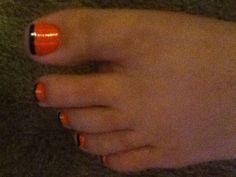 Halloween time! Fun with toenail painting