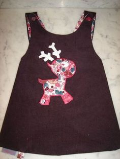 love this wee reindeer applique! Would be so cute to make matching ones for my girls!