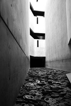 Le musée juif de Berlin est un incontournable, très instructif mais aussi très émouvant, une visite à lire sur http://atasteofmylife.fr