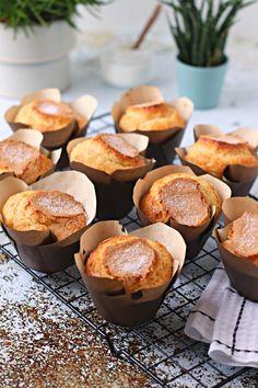 shakeo mug cake Cupcakes, Cake Cookies, Cupcake Cakes, Portuguese Desserts, Portuguese Recipes, Shakeo Mug Cake, Cookbook Recipes, Cooking Recipes, Orange Muffins