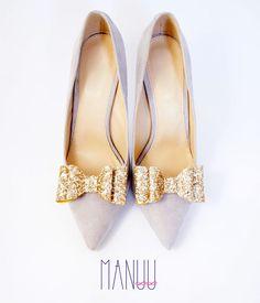Gold shoe clips - glitter shoe clips Manuu, shoe accessories, gold bows, glitter bows, glitter shoes, gold shoes