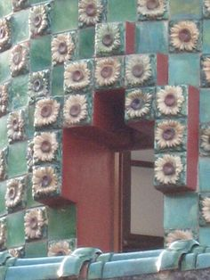 Detalle del Capricho de Gaudí.