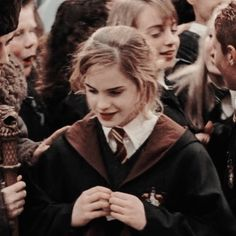 Harry Potter Hermione, Harry Potter Icons, Mundo Harry Potter, Harry Potter Aesthetic, Harry Potter Pictures, Harry Potter Anime, Harry Potter Love, Harry Potter Universal, Harry Potter World