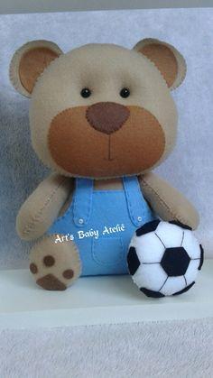 Ursinhos para nichos Felt Crafts, Diy And Crafts, Love Craft, Felt Toys, Felt Animals, Sewing For Kids, Handmade Toys, Fabric Flowers, Needle Felting