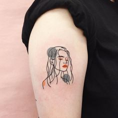 Simple line portrait tattoo Party Tattoos, Mini Tattoos, Body Art Tattoos, New Tattoos, Small Tattoos, Cool Tattoos, Portrait Tattoos, Modern Tattoos, Watch Tattoos