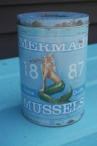 Mermaid Tin (Writing - Props)
