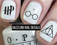 Resultado de imagen de nails harry potter Crazy Nails, Fancy Nails, Love Nails, Pretty Nails, Harry Potter Nails, Bella Nails, Magic Nails, Healthy Nails, Nail Decals
