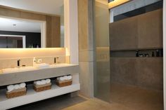 Bathroom Lighting, Mirror, Furniture, Home Decor, Arquitetura, Ideas, Houses, Bathroom Light Fittings, Homemade Home Decor