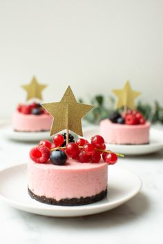 Berry Smoothie Recipe, Easy Smoothie Recipes, Snack Recipes, Köstliche Desserts, Delicious Desserts, Coconut Milk Smoothie, Homemade Frappuccino, Mousse, Pumpkin Spice Cupcakes