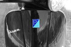 Piaggio Vespa by Raúl Soriano Meseguer, via Flickr