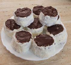 Kozák sapka - Krémes, csokis, kókuszos finomság, nálunk nagy kedvenc! - Egyszerű Gyors Receptek Cheesecake, Muffin, Favorite Recipes, Meals, Breakfast, Dios, Morning Coffee, Meal, Cheesecakes