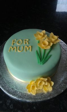 #cake #mother'sday #daffodil