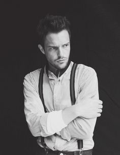 Brandon Flowers looks hot wearing suspenders ❤