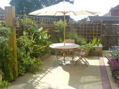Paul Pyms garden transformation with railway sleepers PHOTO 9