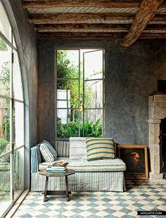 mix & match stripes and checkered floors neutral furniture, bright rug. via Maine Home + Design. Style At Home, Interior Exterior, Interior Architecture, Gray Interior, Modern Interior, Cozy Nook, Cozy Corner, Home Fashion, Interior Inspiration