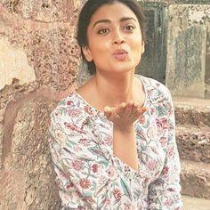 Shriya Saran South Indian Actress ACTRESS DEEPIKA PADUKONE PHOTO GALLERY  | 2.BP.BLOGSPOT.COM  #EDUCRATSWEB 2020-05-12 2.bp.blogspot.com https://2.bp.blogspot.com/-efmhhf1zSUA/WG5kCxB05uI/AAAAAAAABZw/knpNOgmERZYDqeaV82Y-deQnO24SnF63wCLcB/s320/d4986d837346b7e5bbed67975f1c5754.jpg