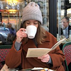 """""""today's mood: getting things done, being productive and lots of coffee"""" Poses Photo, Book Aesthetic, Aesthetic Outfit, Aesthetic Girl, Study Motivation, Dream Life, Book Worms, Parisian, Winter Hats"""