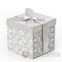 Lindas caixas e fitas, formam uma dupla imbatível.
