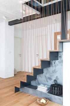 Wnętrze z odrobiną Skandynawii - Wnętrze - Zainspiruj się z Foorni.pl Modern Stair Railing, Modern Stairs, Interior Staircase, Staircase Design, Escalier Design, Zen House, Staircase Makeover, House Stairs, Home Interior Design