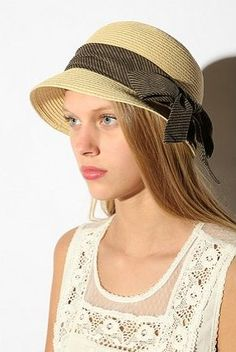 Urban Outfitters Braided Straw Bow Cloche ( 29) Wide Brimmed Hats 4fda4d827be0
