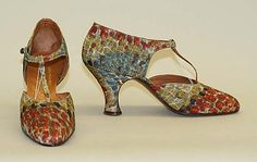 Ducerf Scavini Date: ca. 1930 Culture: French Medium: leather, silk, metal Dimensions: Heel to Toe: 9 in. (22.9 cm) Height (of heel): 2 1/4 in.