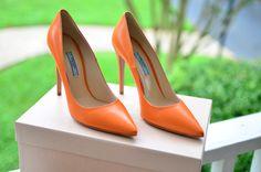 Prada+Orange+Pumps.png 1,600×1,059 pixels