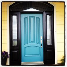 Love my front door. & 9 Daring Colors for Your Front Door | Open the Door...Raise the ... pezcame.com