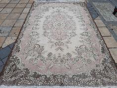 Vintage Pink, Vintage Rugs, Boho Decor, Bohemian Rug, Handmade Rugs, Handmade Items, Turkey Colors, Small Rugs, Kilim Rugs
