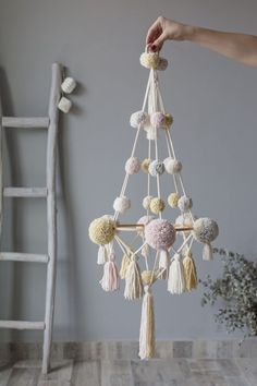 Fall Arts And Crafts, Arts And Crafts For Adults, Arts And Crafts Movement, Arts And Crafts Projects, Crafts For Kids, Diy Décoration, Easy Diy Crafts, Diy Home Crafts, Pom Pom Crafts