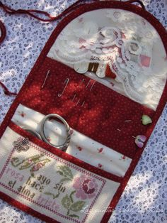 Diy And Crafts Sewing, Sewing Projects, Sewing Kits, Needle Book, Needle Case, Drawn Thread, Cross Stitch Finishing, Fabric Yarn, Sewing Accessories